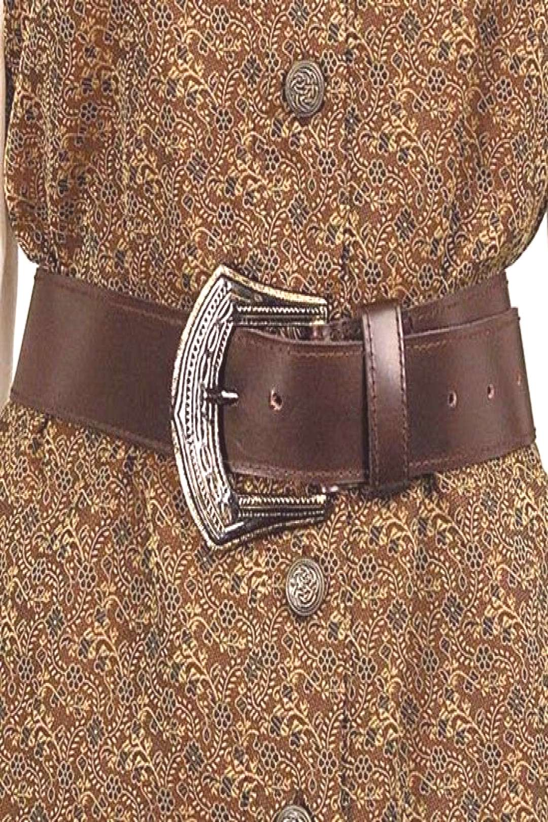 carries womens pirate costumes and accessories, such as this Mary Read Pirate Belt.