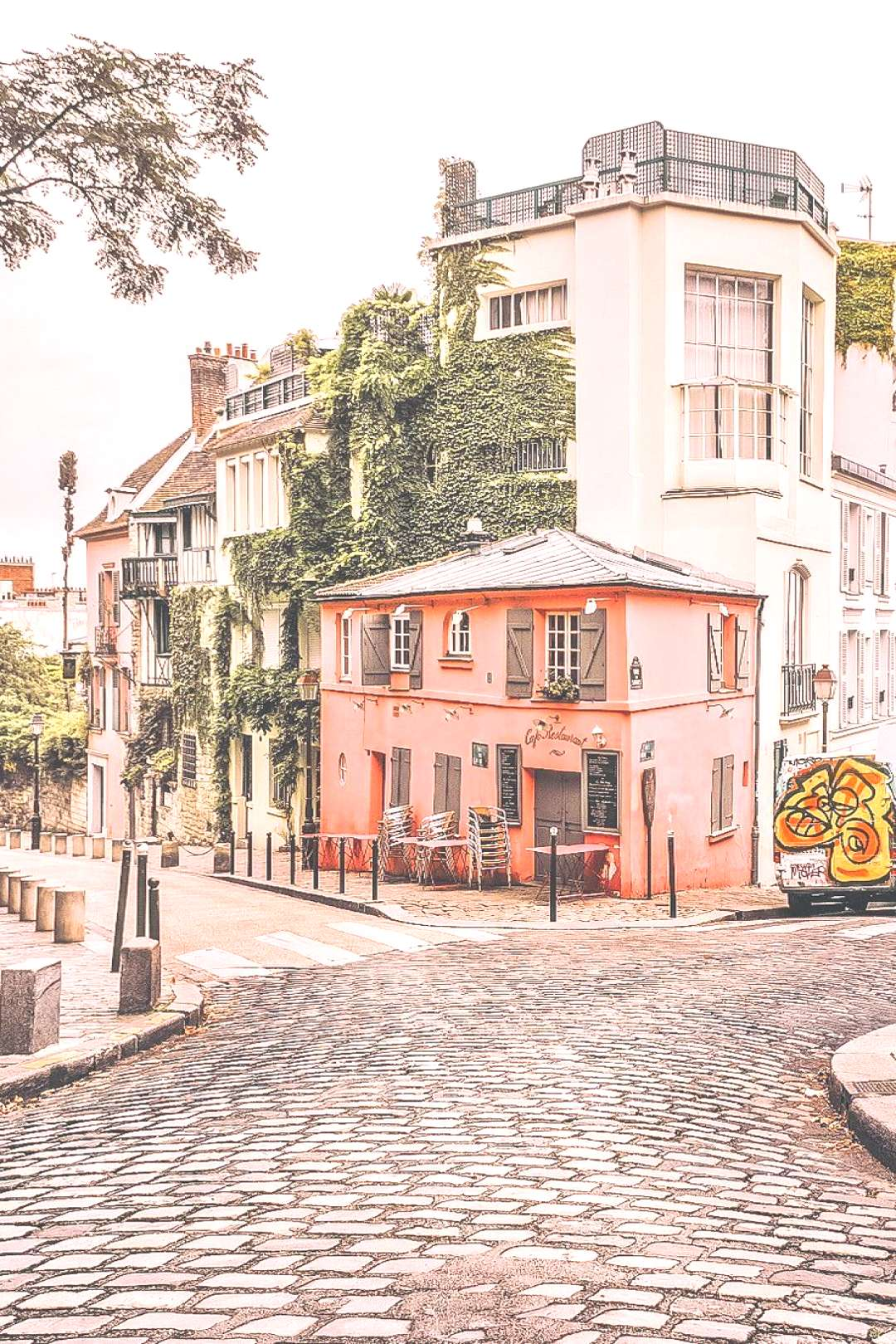 2 day Paris Itinerary! Find the best places to visit in Paris in 2 days. Explore the best of France