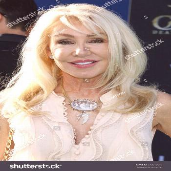 Linda Thompson at the U.S. premiere of 'Pirates Of The Caribbean: Dead Men Tell No Tales' held at t