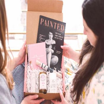 Looking to explore a new City? Check out the locallyus Spring Pittsburgh Box! Tired of being stuck