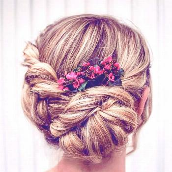 The perfect summer bride updo ? @theupdogirl