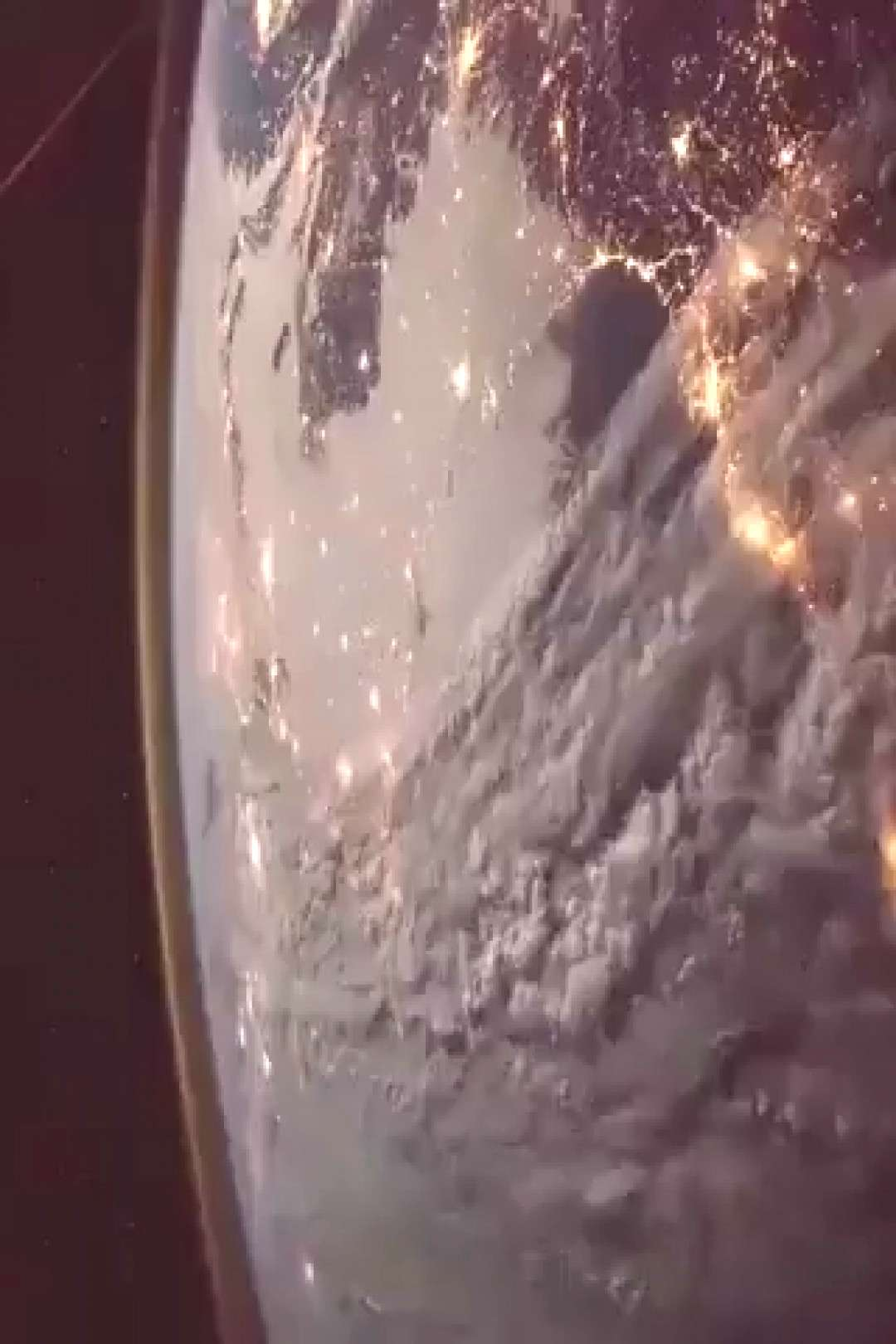 Breathtaking views of the Earth from the International Space Station Ever wanted to see the Earth f