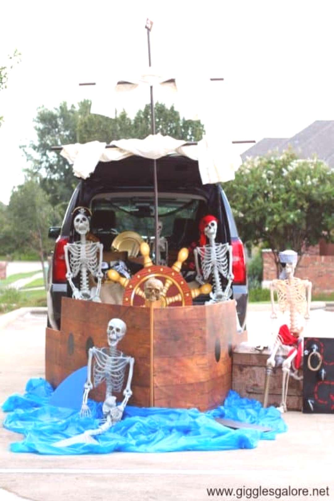 Kid Friendly Trunk or Treat Ideas for Cars, SUVs, Vans and Trucks Pirate Ship - its a Pirates Life