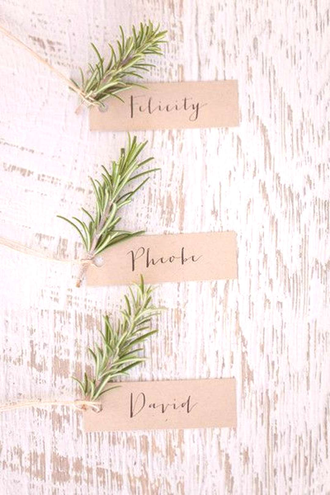 Leaf Place Cards - The Most Popular Holiday Celebration Decor Trends For 2018, According To Pintere