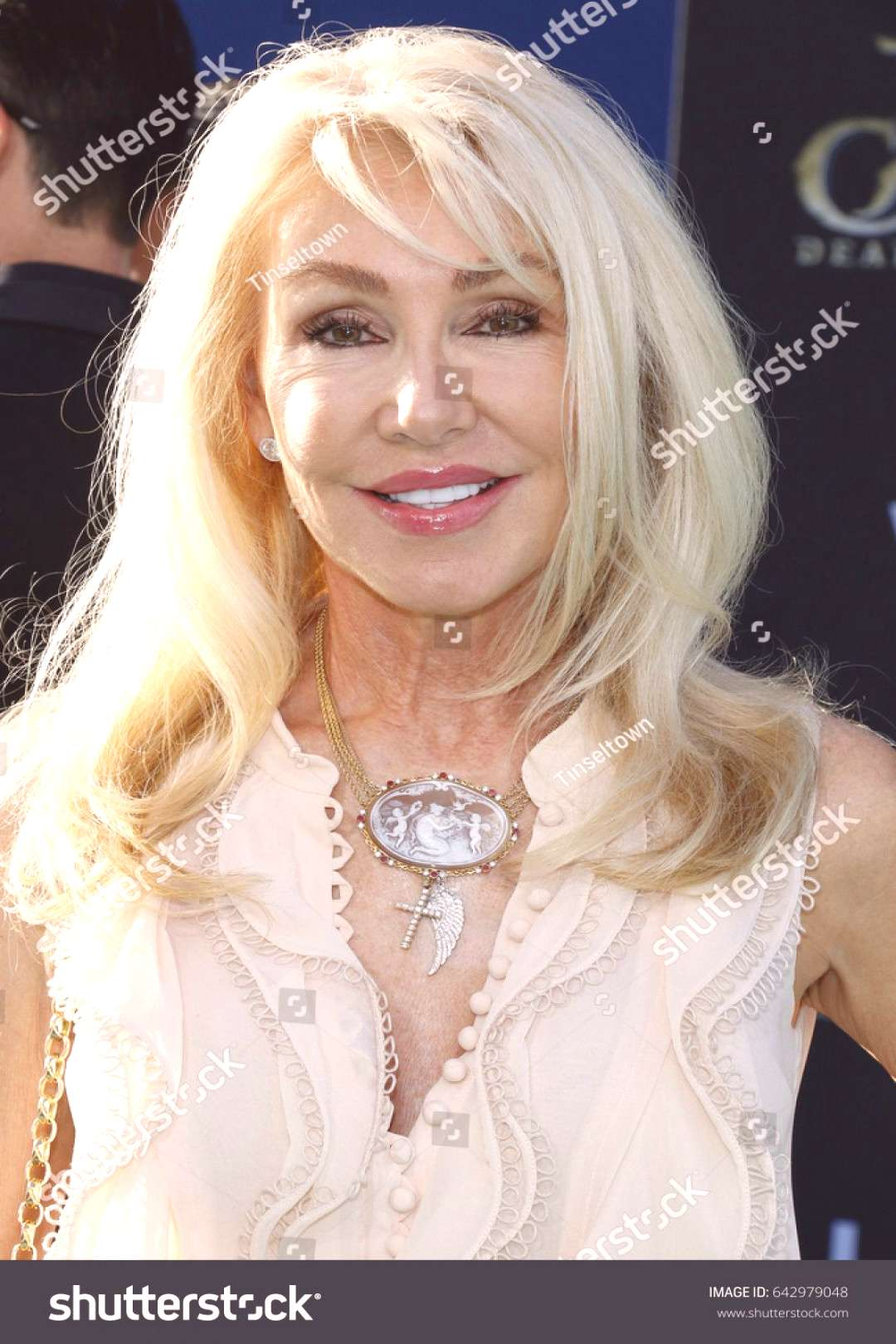 Linda Thompson at the U.S. premiere of Pirates Of The Caribbean Dead Men Tell No Tales held at t