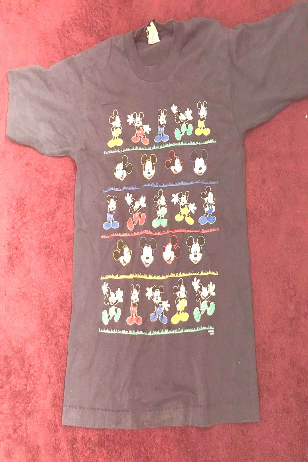 Photo by PITTSBURGH THRIFT on March 15, 2020.You can find Vintage mickey and more on our website.Ph