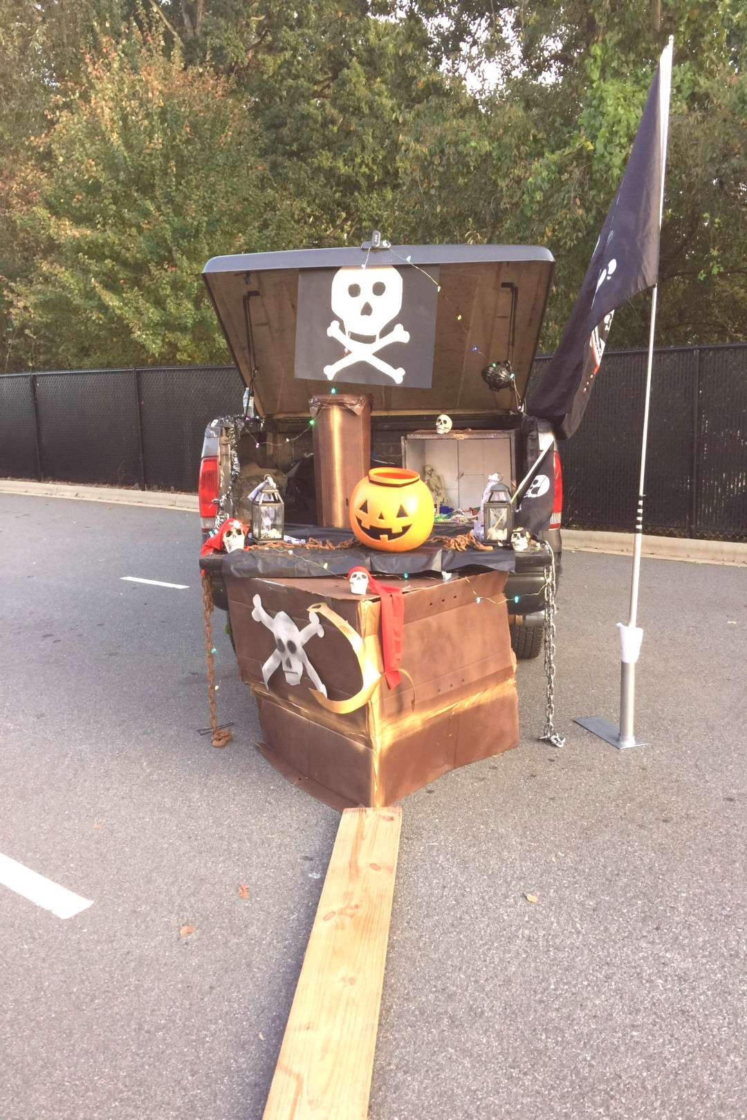 Pirate Trunk or Treat - Black Pearl from Pirates of the Caribbean or Jolly Roger...#black
