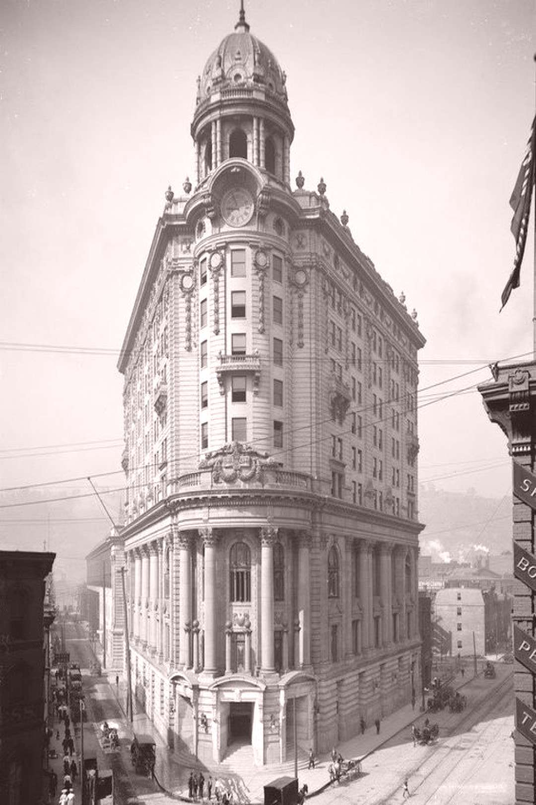 The Wabash Terminal in Pittsburgh circa early 1900s -  -