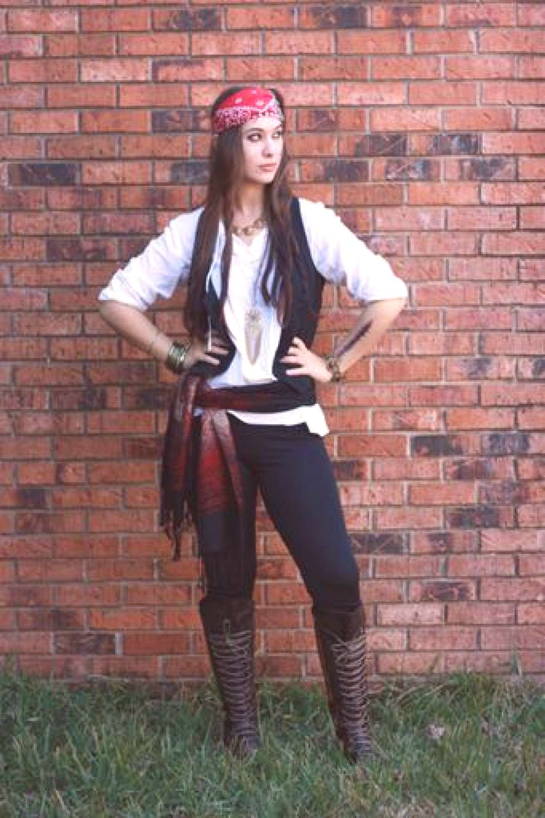 This post contains the best modest Halloween costumes for women. The costume ideas include DIY, Dis